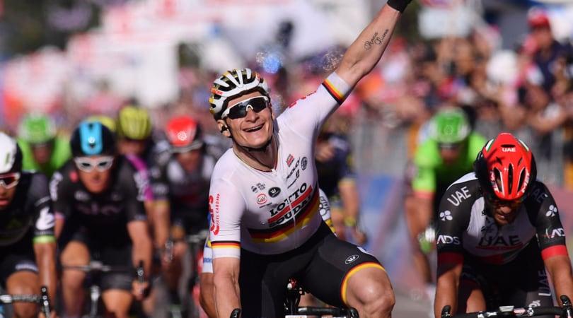 Giro d'Italia, seconda tappa e maglia rosa a Greipel