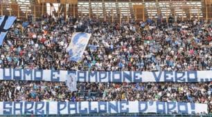 Napoli, lo striscione al San Paolo: «Sarri Pallone d'oro»