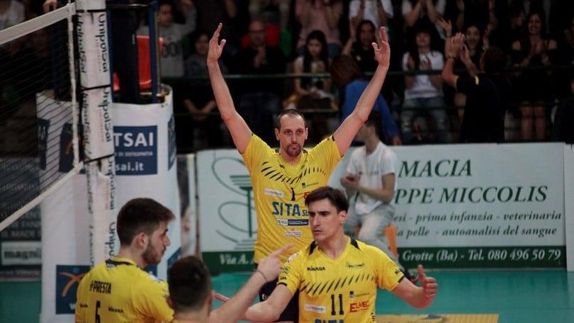 Volley: A2 Maschile, Gara 3 è di Castellana Grotte