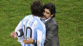 Argentina, Maradona: «Messi più un peluche che un giocatore»