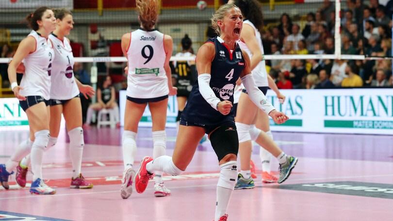 Volley: A2Femminile, Pesaro stappa lo champagne, è promozione in A1