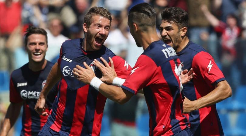 Serie A, zampata Crotone! Napoli spettacolo, Roma avvertita