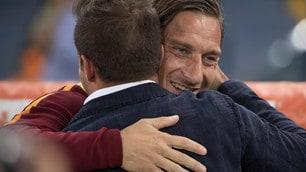 Roma-Juventus, l'abbraccio Totti-Del Piero