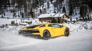 Lamborghini Aventador S, mostro sulla neve: foto