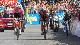 Giro d'Italia, Dumoulin trionfa a Oropa