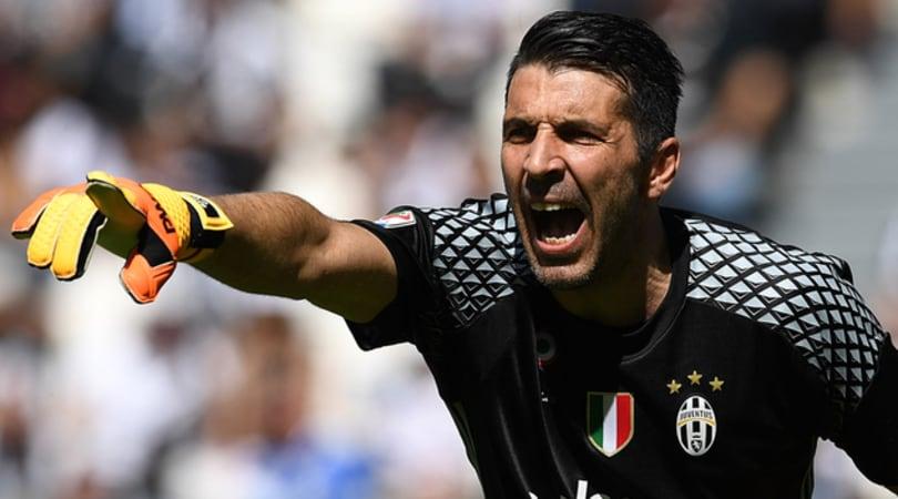 Serie A, Juventus-Crotone 3-0. Mandzukic, Dybala, Alex Sandro:via alle danze juventine