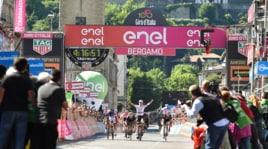 Giro d'Italia: festa Jungels a Bergamo, ma Dumoulin è sempre in rosa