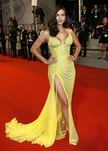 Irina Shayk a Cannes, i flash sono tutti per lei