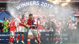 Vince l'Arsenal, festa scatenata per la FA Cup
