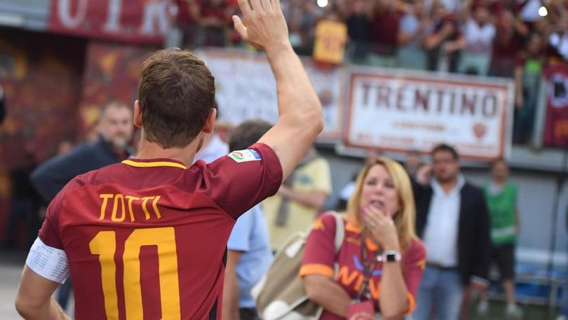 La lettera di Totti: «Roma, sono orgoglioso di averti dato 28 anni d'amore»