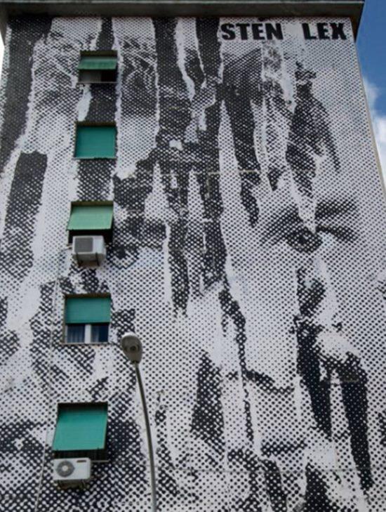 """Il """"Totti wolf"""" di Sten & Lex, opera comparsa nel 2010 alla Garbatella che oggi non è più visibile."""