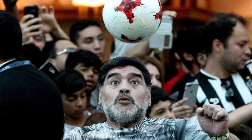Maradona, un milione da Konami: «Va in beneficenza»