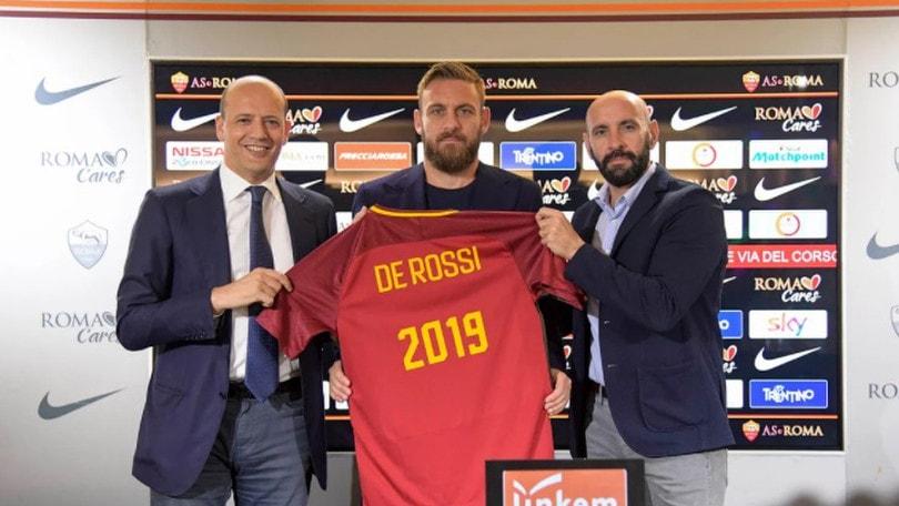 Ufficiale Roma, De Rossi rinnova fino al 2019: «Dopo Totti, non avrei potuto lasciare anche io»