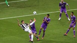 Juventus-Real Madrid, il gol capolavoro di Mandzukic in rovesciata