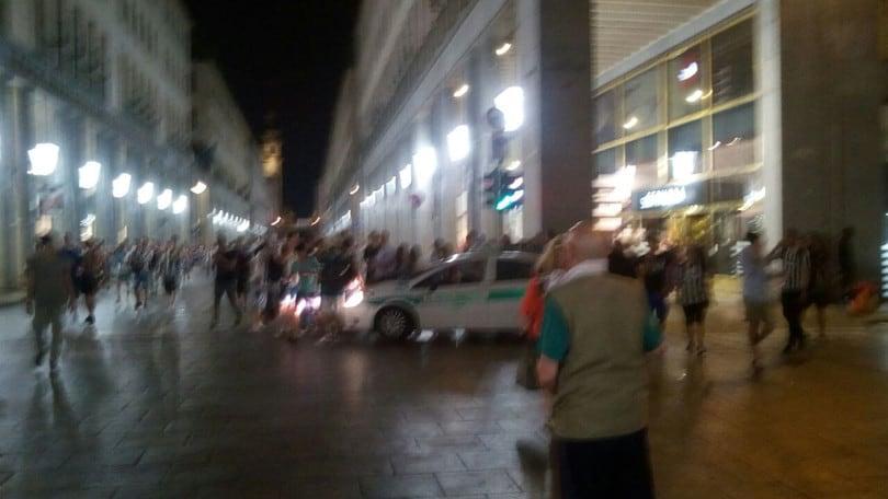 Torino: falso allarme bomba semina il panico, 1000 feriti
