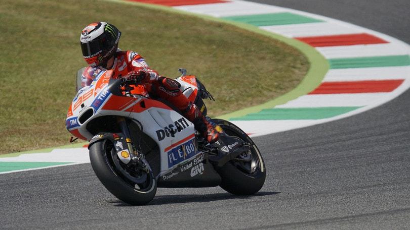 MotoGp Ducati, Lorenzo: «Vittoria difficile ma non impossibile»