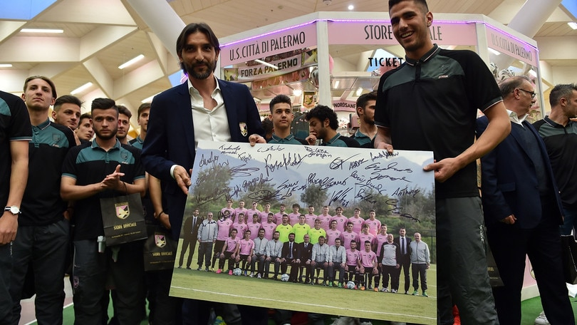 Calciomercato Livorno, Pirrello in prestito dal Palermo