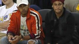 F1, Hamilton alla finale Nba con Neymar