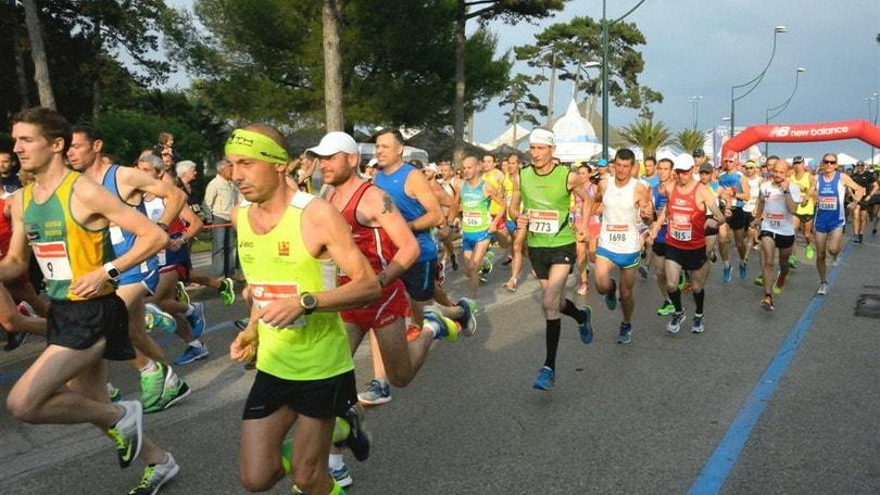 Lignano Sunset Run Half Marathon: domenica si corre al tramonto