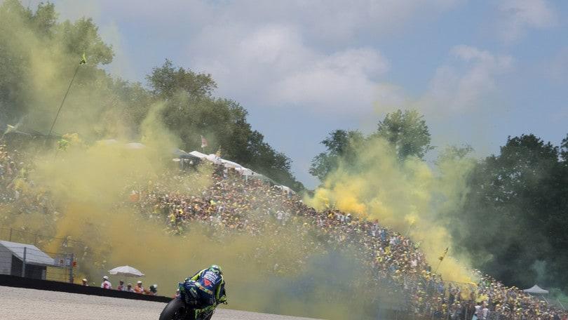 MotoGp: Catalogna, Rossi punta al podio