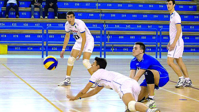 Volley: Superlega, il libero Piccinelli firma per la