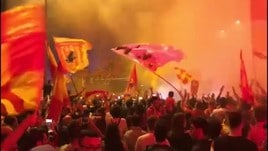 Il Benevento festeggia la Serie A con migliaia di tifosi