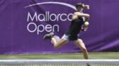 Tennis, Mallorca Open: Schiavone batte Bouchard e va agli ottavi