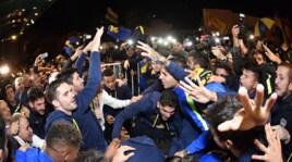 Boca Juniors, i giocatori festeggiano il titolo vestiti da fantasmi