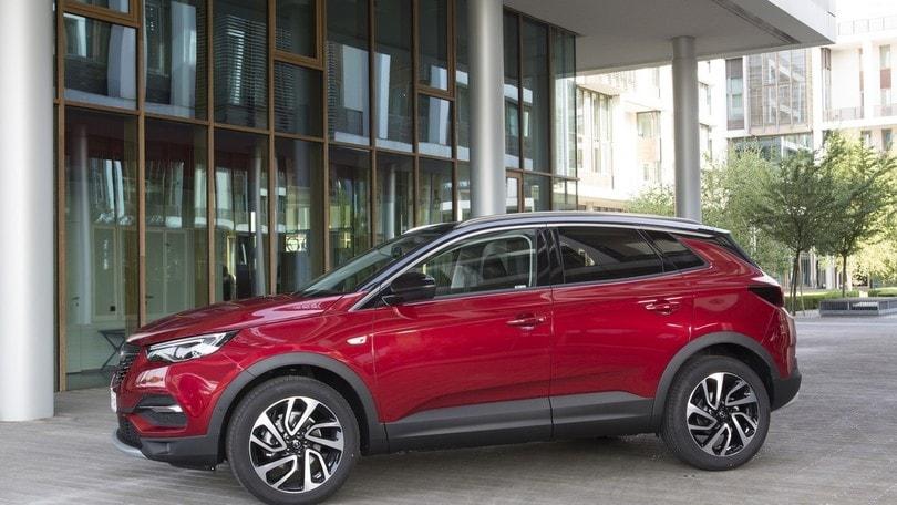 Opel Grandland X, prezzi da 26.000 euro