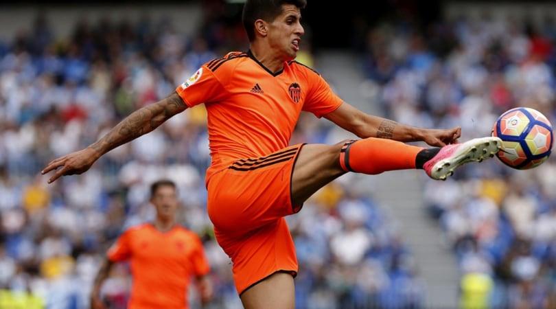 Calciomercato, in Spagna: «Valencia, su Cancelo tre club italiani»