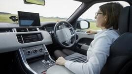 Jaguar Land Rover sperimenta la guida autonoma in UK