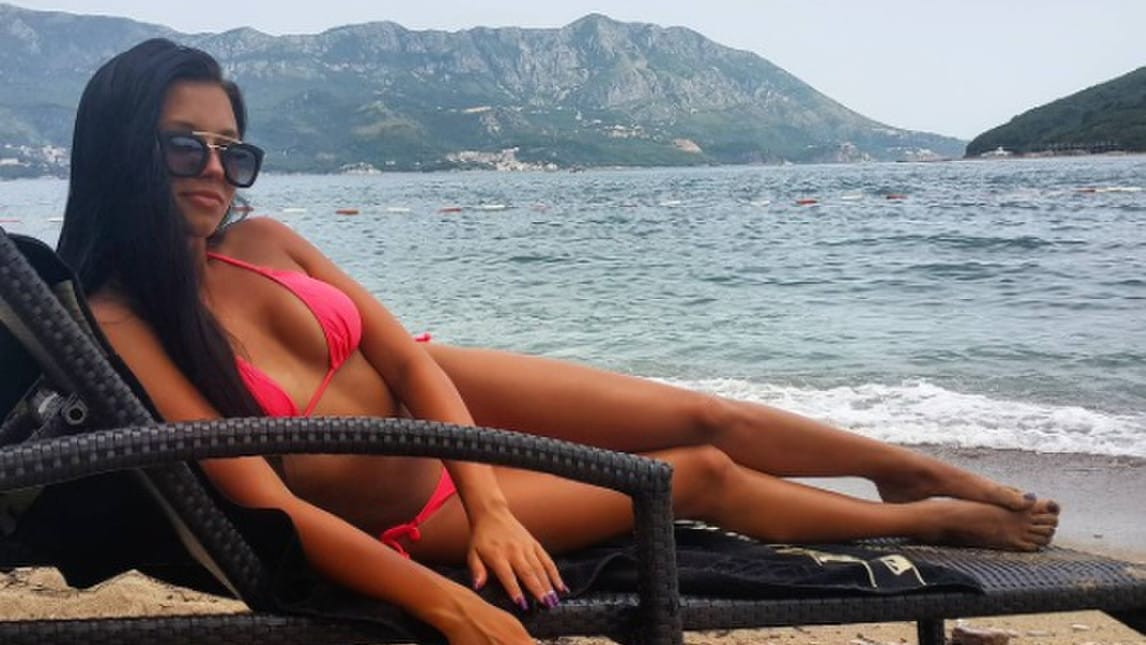 <p>La compagna del nuovo acquisto della Lazio, l&#39;esterno&nbsp;montenegrino Adam Marusic, incanta nella Capitale</p>