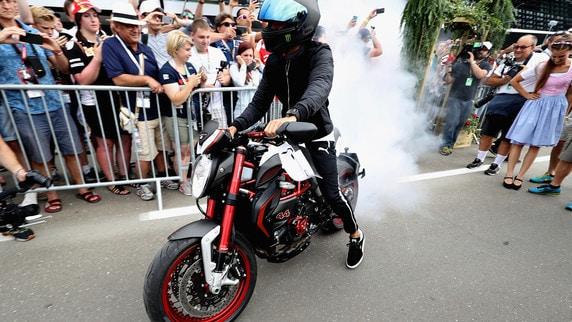"""F1, Gp Austria: per Hamilton """"burn out"""" in moto"""