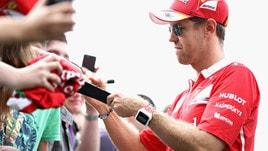 F1, Gp Austria: bagno di folla per Sebastian Vettel
