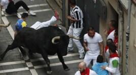 San Firmino, in migliaia alla corsa dei tori di Pamplona