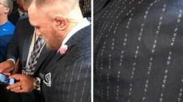Il gessato 'sobrio' di Conor McGregor