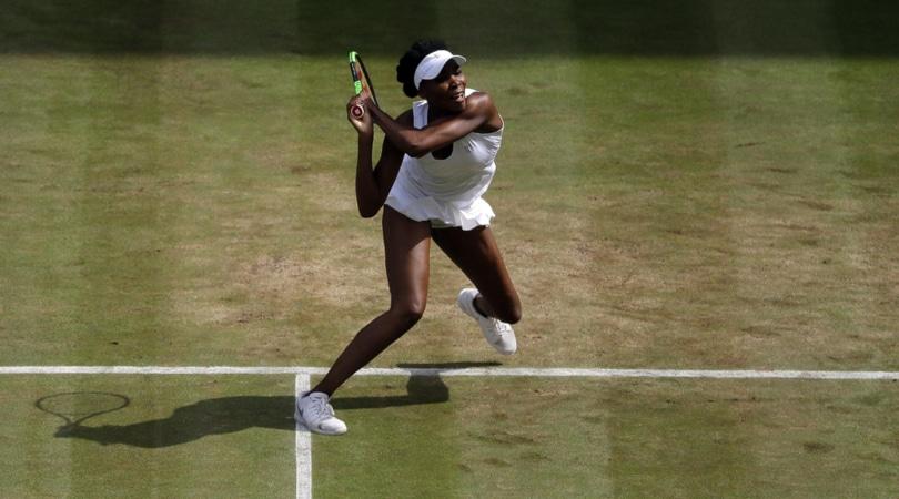 Tennis: Venus Williams da record, nona finale di Wimbledon a 37 anni