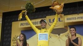 Tour de France, Aru si veste di giallo: è leader della corsa