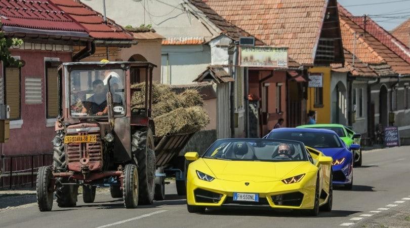 Con Lamborghini Huracàn in Transilvania: la fiera delle vanità