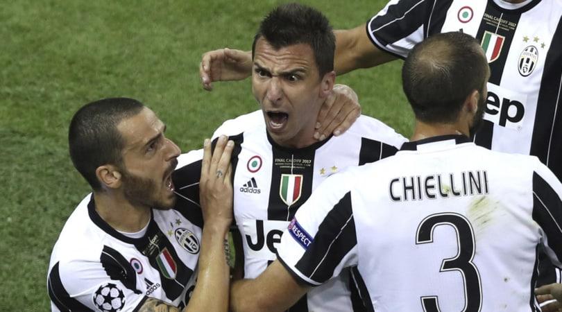 Juventus, Mandzukic: «Minacce Bonucci ad Alves? Ecco la mia verità»