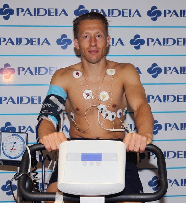 <p>Il centrocampista brasiliano &egrave; arrivato in mattinata alla clinica Paideia dove si &egrave; sottoposto ai controlli di rito</p>