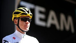 Tour de France, domina Froome a 1,37