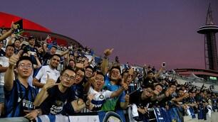 L'Inter fa impazzire Nanchino: bagno di folla all'allenamento