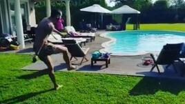 Bonucci, che magia in piscina!
