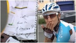 Tour de France, arriva la proposta di matrimonio in diretta