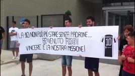 I tifosi della Juve aspettano Bernardeschi