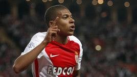 Calciomercato, Mbappé: quote a metà tra Monaco e Real