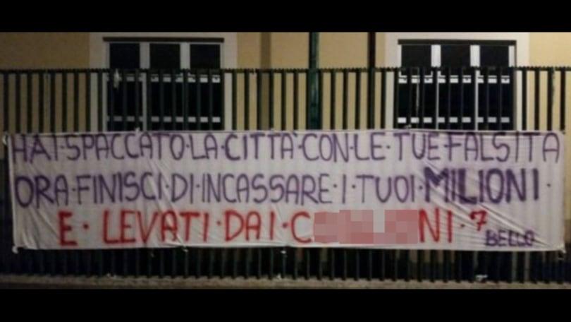 Fiorentina, un altro striscione contro Bernardeschi