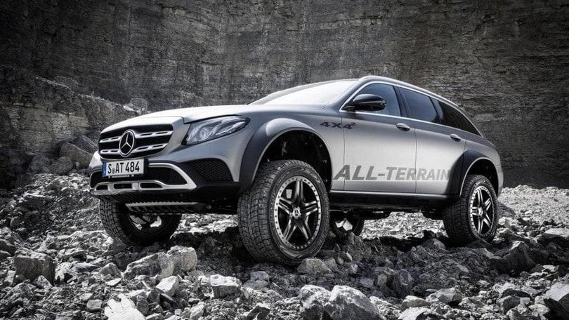 """Mercedes E All-Terrain 4x4², il """"big foot"""" di Stoccarda"""