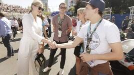 Kate Upton in forma super per la Formula E